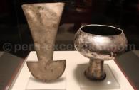 Coupe et couteau de sacrifice mochica en argent, musée larco
