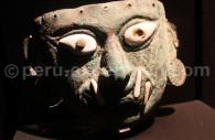 Masque funéraire mochica en cuivre, dieu ai apaec, musée larco