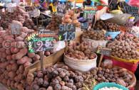 Pommes de terre sur le marché de Cusco