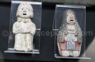 Figurines en pierre à Caral, Pérou