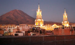 Cathédrale Arequipa et volcan Misti