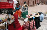 Paysannes en habit traditionnel, Circuit Pérou