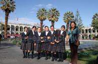 Ecolières en uniforme, Arequipa, Pérou