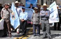 Rassemblement dans les rues d'Arequipa, Pérou