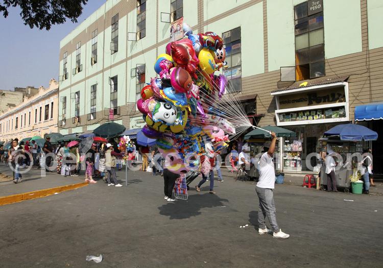 Vendeur de ballons, Lima