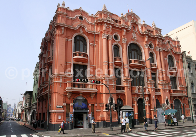 Edificio colonial, Lima
