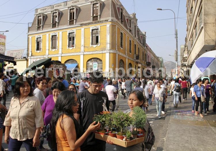 Rue animée de Lima