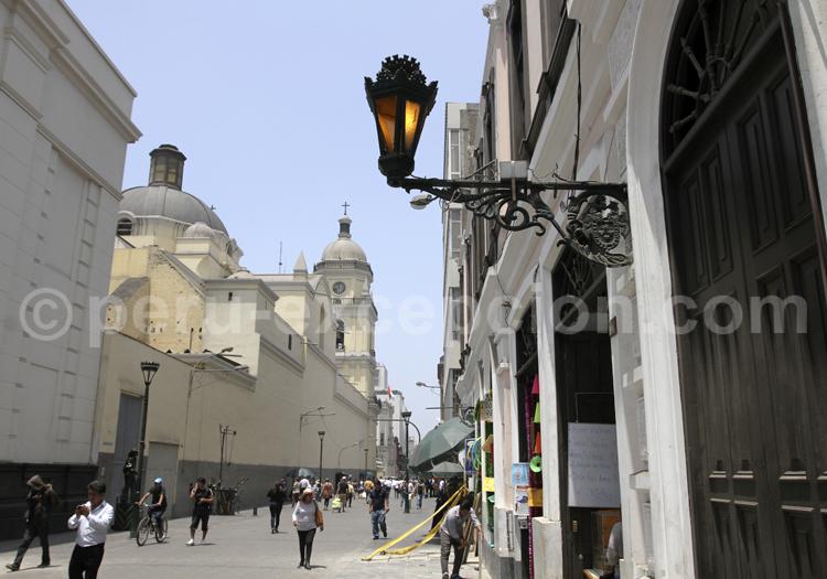 Rue Jiron Ucayali, Lima